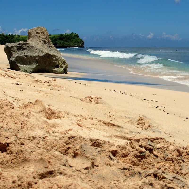 beach sand balangan beach bali