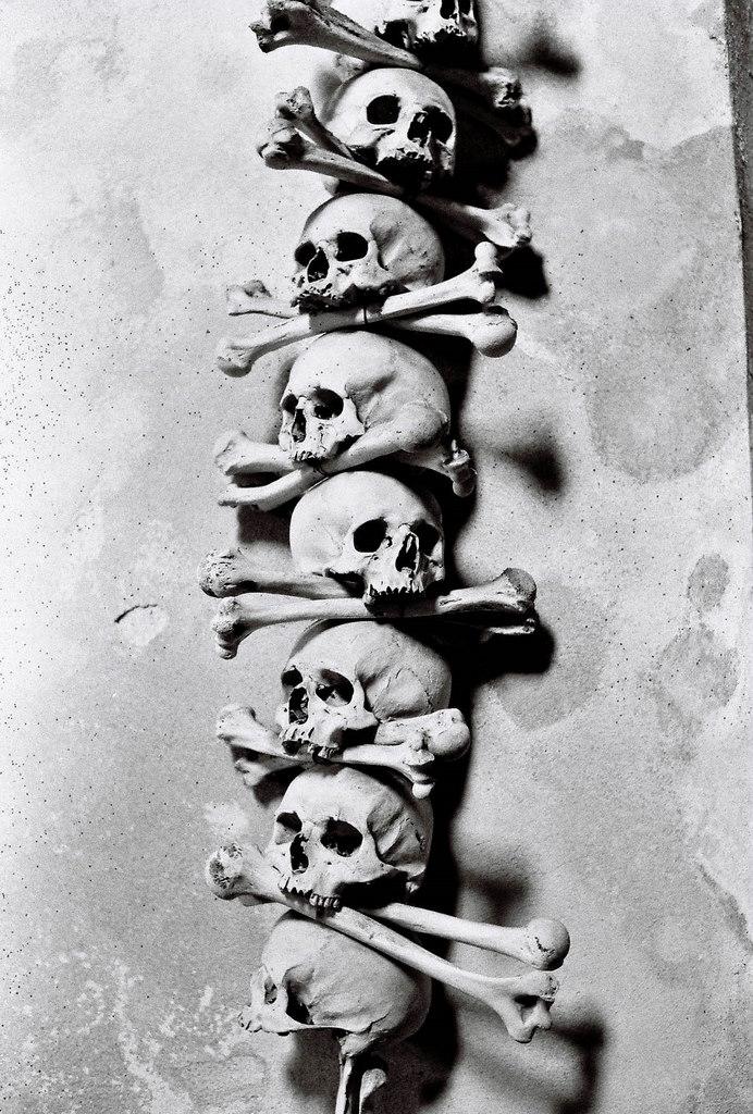 stack of bones, kutna hora sedlec ossuary church