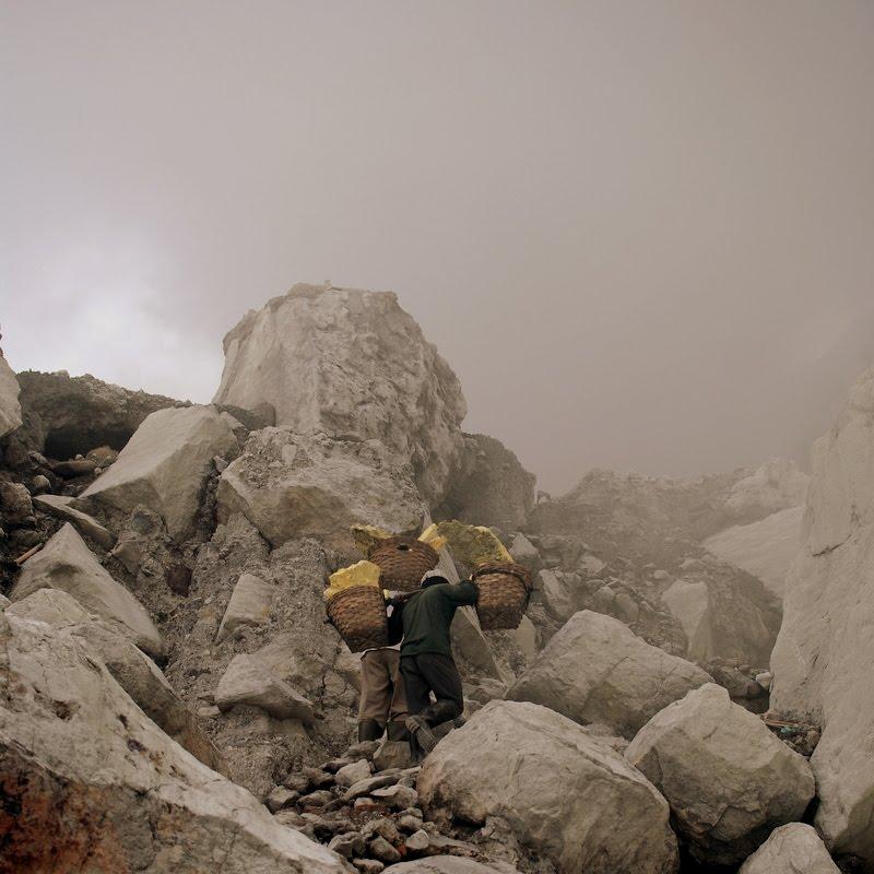 walk back up, Ijen Volcano, Indonesia