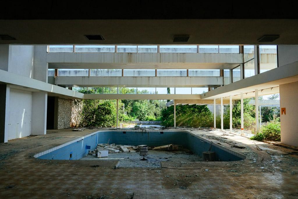 abandoned hotel croatia (2)