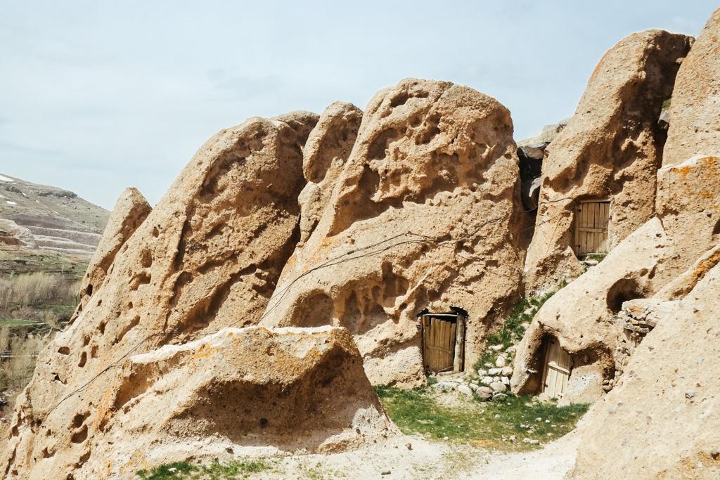 cave house kandovan iran