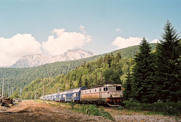 Travel Camera Article Image