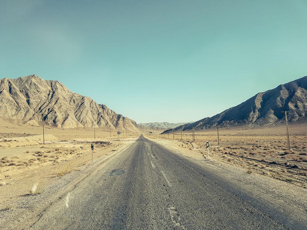 desert tour iran road