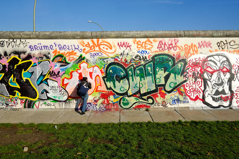 tagging at East Side Gallery - Berlin