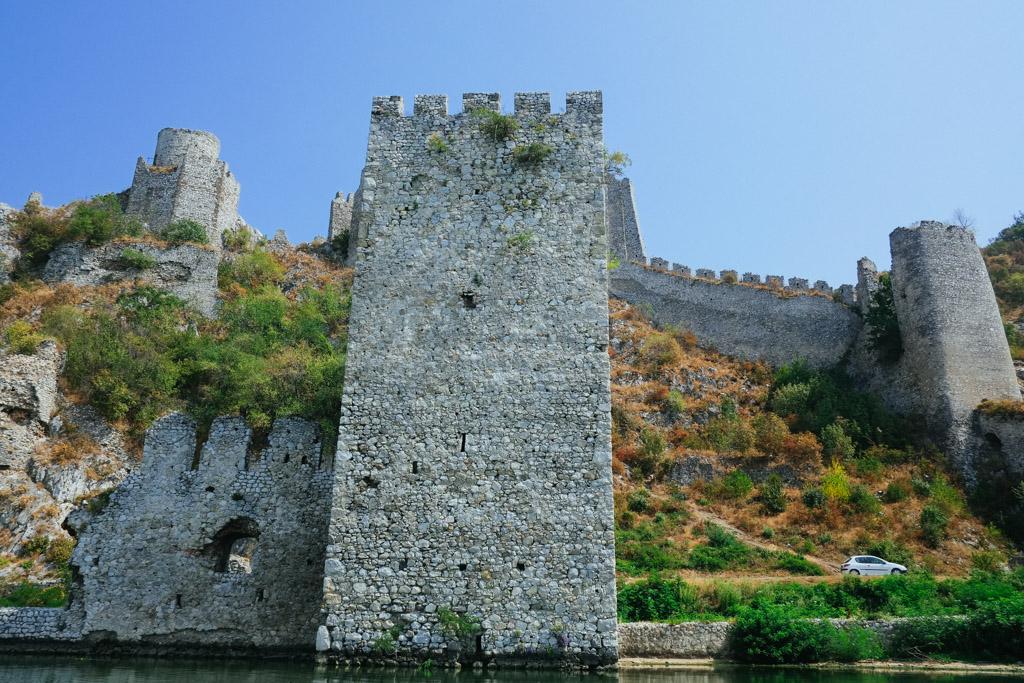 golubac fortress highway