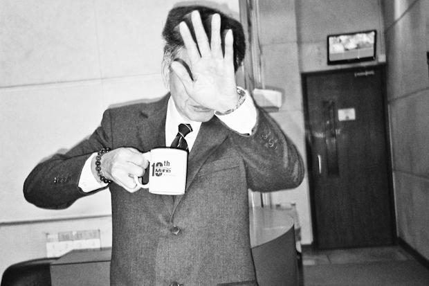 this man say no to a hong kong street photographer