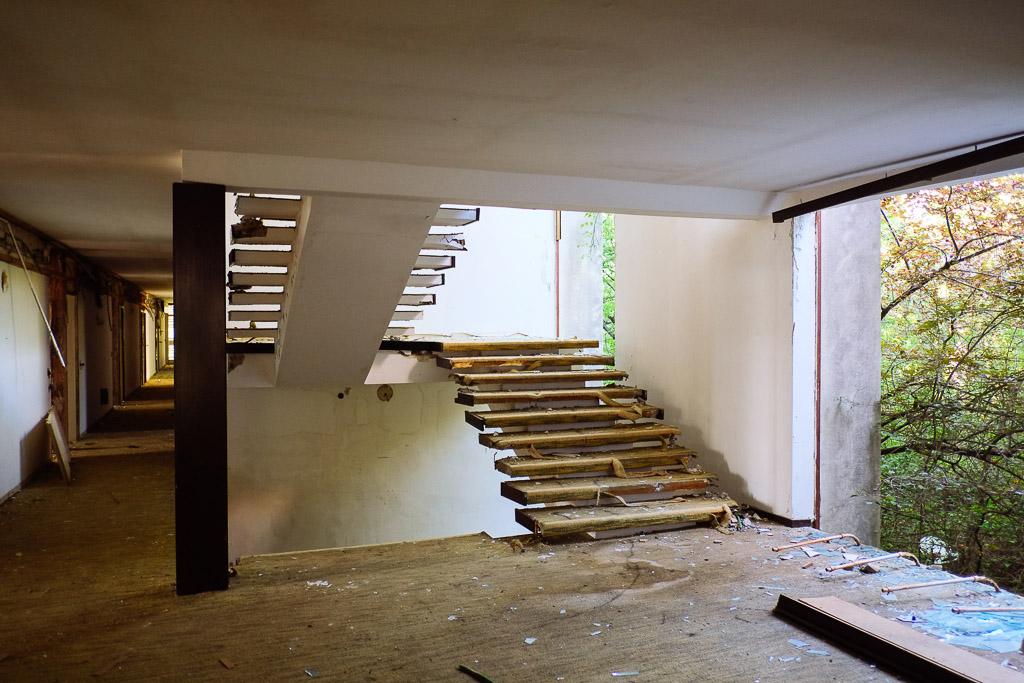 hotel abandoned haludovo