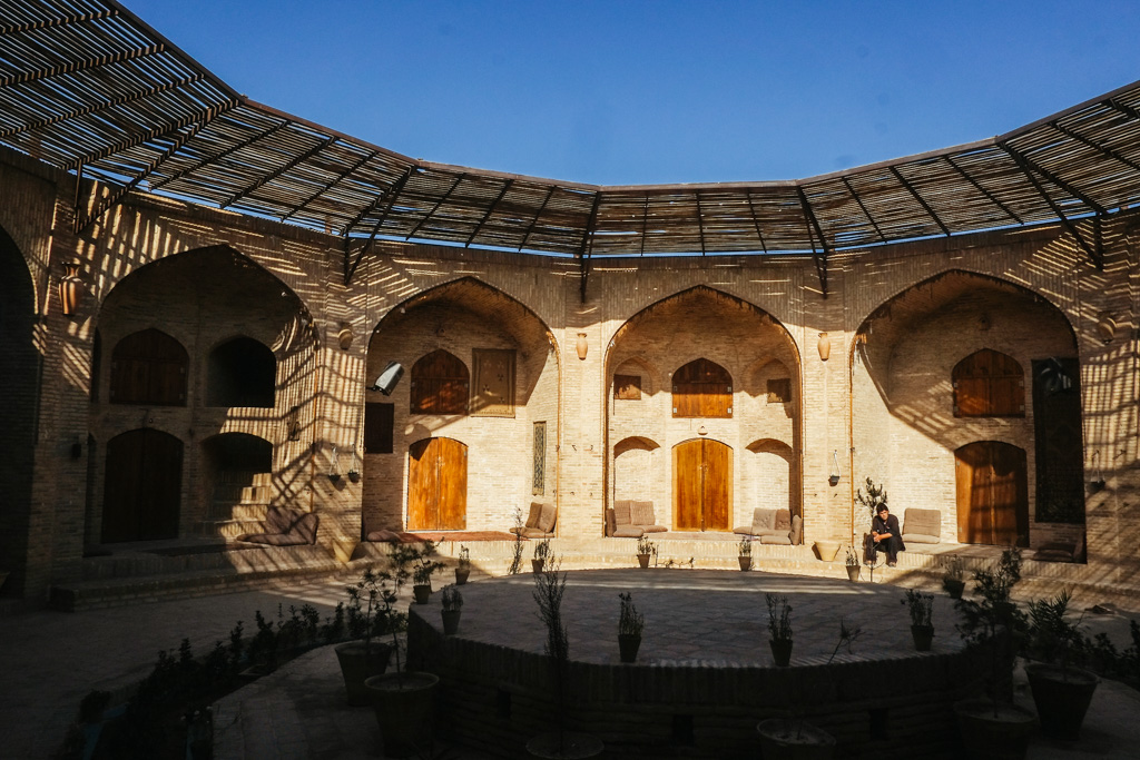 iran tour hotel