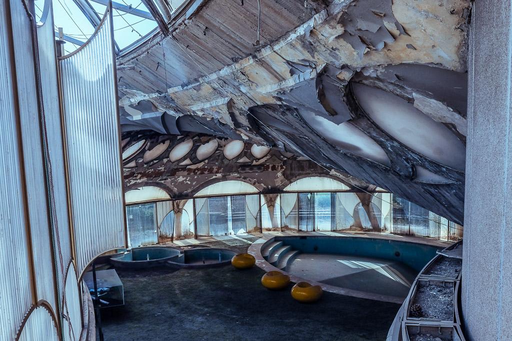 iran tour pearl palace