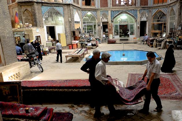 kashan bazaar carpet merchants