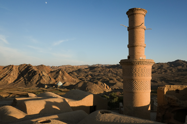 Kharanaq Minaret Shaking