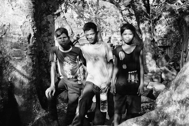 Kids at Beng Melea temple
