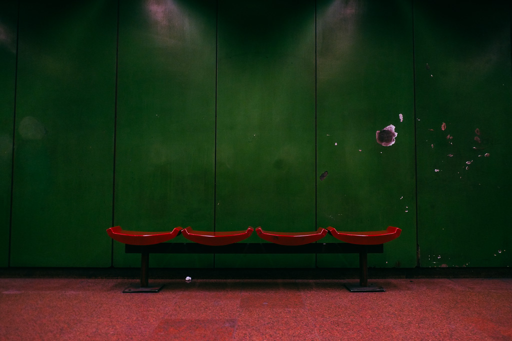 m3 station interior budapest metro