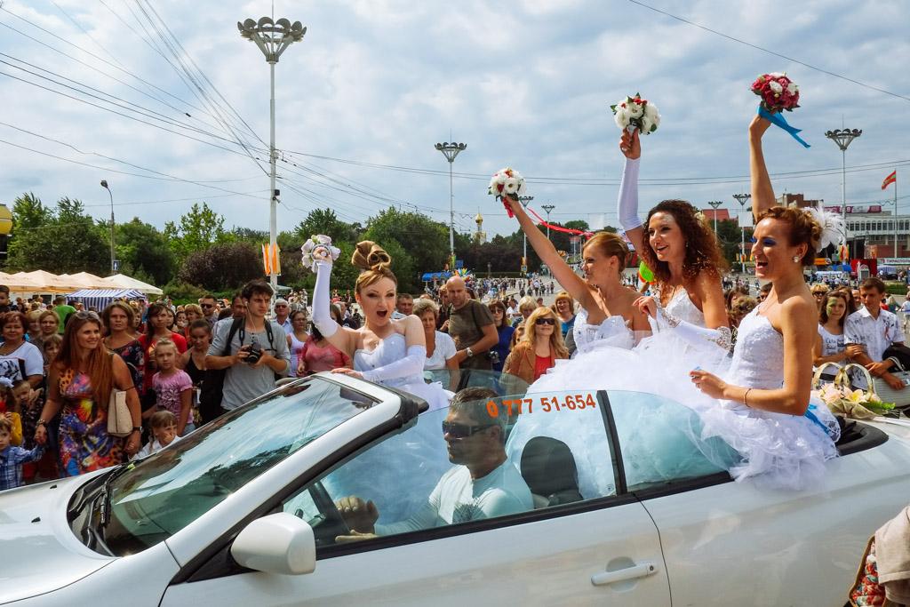 Brides on parade. My favourite part of Tiraspol, Transnistria.