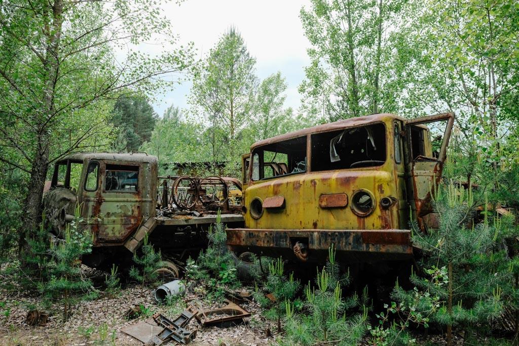 tour of chernobyl graveyard