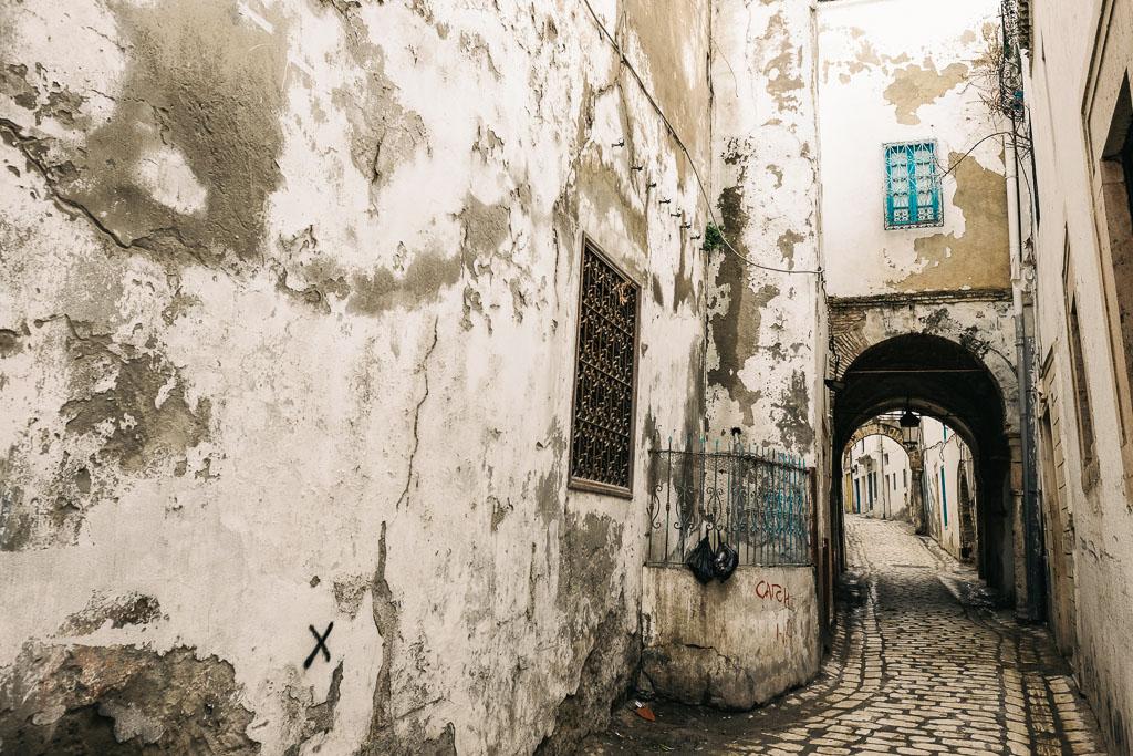 tunis medina walls