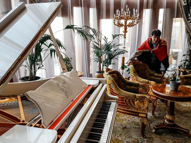 ukraine yanukovytch mansion